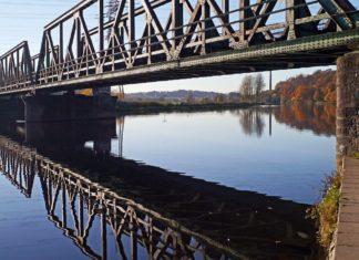 Eisenbahnbrücke im Ruhrtal